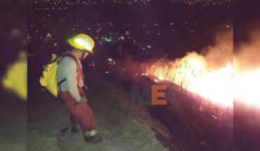 Burn with torches the Cerro de Jicalán, in Uruapan, Michoacán