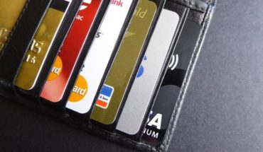 Detain eight people after registering massive card cloning