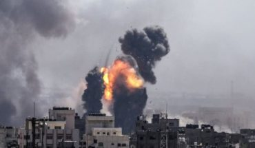 Escalation of violence in Gaza: Palestinians launch hundreds of rockets and Israel responds with bombings
