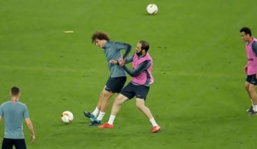 Gonzalo Higuaín crossed with David Luiz to a day of the final of Europe League