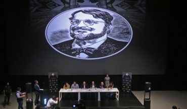 Guillermo de el Toro monsters 'arrive' to his new home in Guadalajara