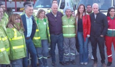 Macri returned to show along with Vidal and greeted the workers