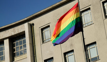 Municipalities, embassies, the Senate and the currency Izarán the flag of sexual diversity this Monday
