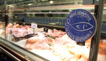 Sernapesca delivers for the first time the blue seal of sustainable fishing to a supermarket