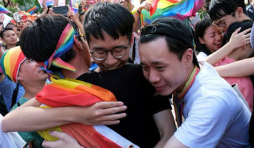 Taiwan approves equal marriage