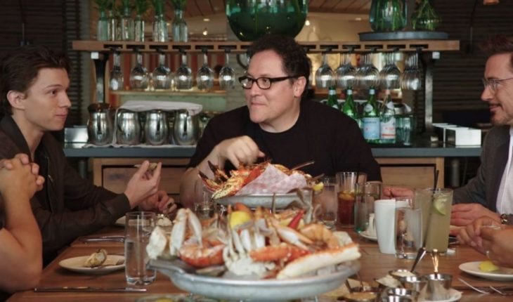 The Avengers share table in a new Netflix series