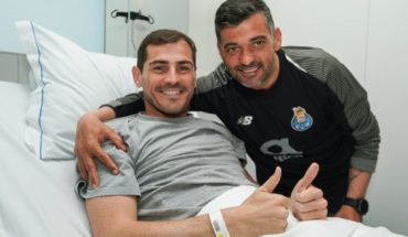 The homage of the players of Porto in his visit to Iker Casillas
