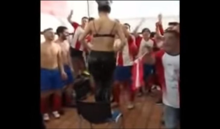 [VIDEO] Team held promotion to second Division of Spain with strippers in the dressing room