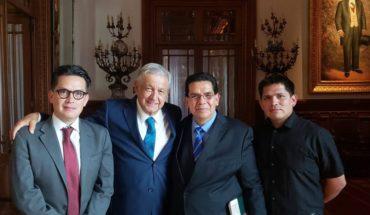 """AMLO nos invitó a """"pregonar"""" cartilla moral: líder evangelista"""