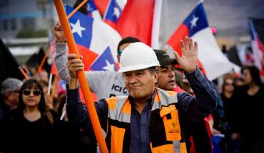"""Codelco mejora planes de egreso y salud en nueva oferta a trabajadores en huelga: """"Éste es el máximo esfuerzo"""""""