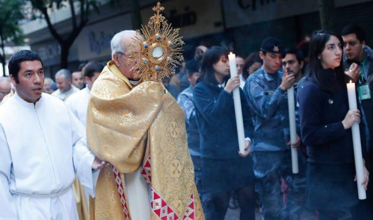 """Denunciantes del caso """"Maristas"""" cuestionan a nuevo obispo auxiliar de Santiago"""