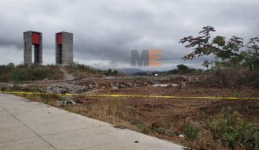Encuentran el cuerpo de un hombre baleado en un terreno baldío de Villas del Pedregal, en Morelia