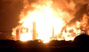 Explosión en una refinería de gas en Filadelfia, Estados Unidos (Videos)