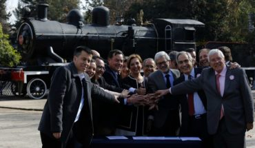 Gobierno estima que tren de Santiago a Valparaíso no verá la luz antes del 2024
