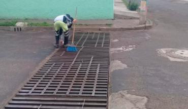 Implementa Secretaría de Servicios Públicos tarea de limpieza preventiva en vialidades de Morelia