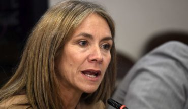 Ministra de Energía enfrenta intensas críticas al plan de descarbonización del Gobierno