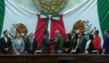 """Por su dedicación con las comunidades indígenas, Padre Francisco Mtz. Gracián recibe presea """"Melchor Ocampo"""""""