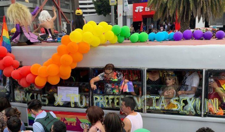 Una carroza en la fiesta del orgullo por los crímenes de odio