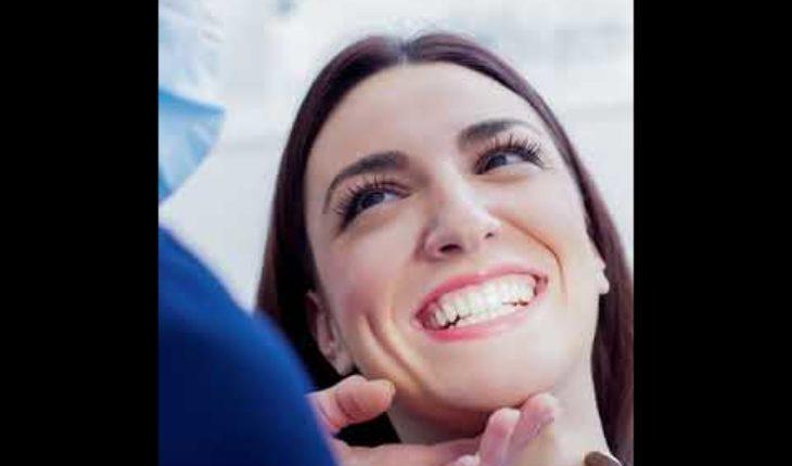 ¿Cómo tener una sonrisa perfecta y saludable? Sigue estos sencillos consejos