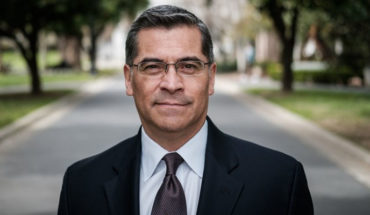 Xavier Becerra, el Fiscal México-Americano de California que ordenó la detención de Naasón Joaquín García