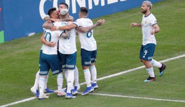 Argentina settled in semi-final after 2-0 Venezuela win