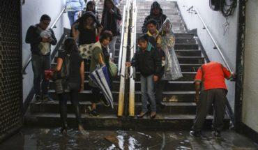 Metro prepares for rains with sandbags and removing trash