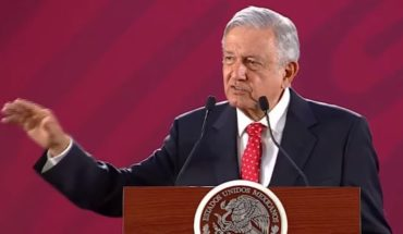 Mexican president to sell presidential plane to finance immigration plan