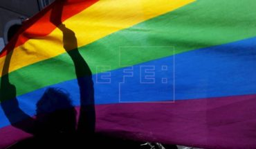 """New law prohibits """"conversion therapy"""" on sexual identity in the U.S."""