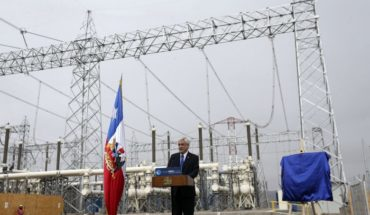 Piñera inaugurates transmission line that strengthens Chile's electricity system