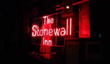 Stonewall, the transvestite bravery and the night when diversity became a flag