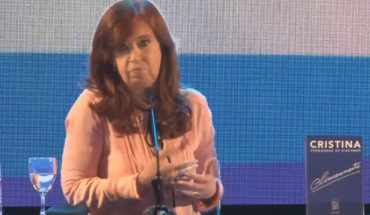 Without talking about candidacies, Cristina presented her book in Santiago del Estero