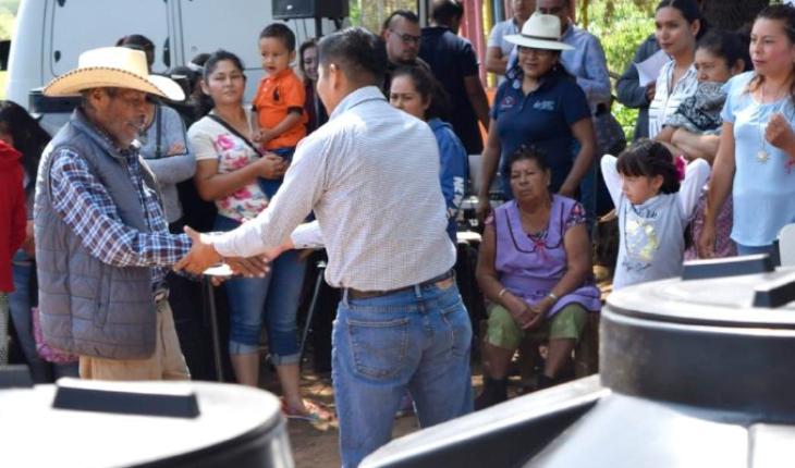 """Ayuntamiento de Morelia declara comunidad libre de piso de tierra a """"El Reparo"""""""