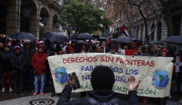 Comunidad migrante marchó en Santiago en apoyo a venezolanos varados en Chacalluta