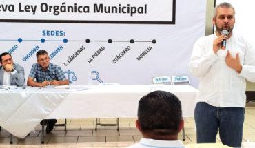 Congreso debe respetar y fortalecer la autonomía municipal, afirma Ramírez Bedolla