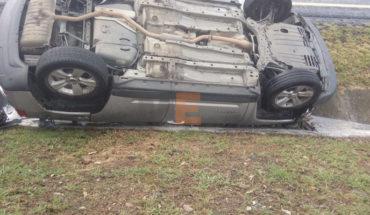 Delegado del PRI en Michoacán sobrevive a aparatosa volcadura vehicular
