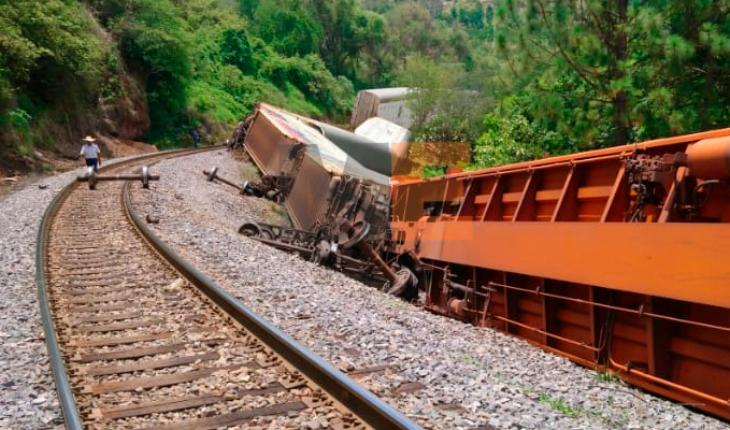 Descarrila tren de Kansas City Southern en Taretan, Michoacán