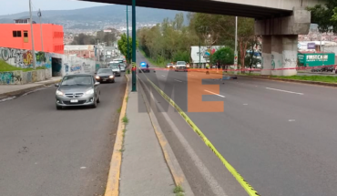 Hombre intentó cruzar el libramiento y muere atropellado cerca de un puente peatonal en Morelia