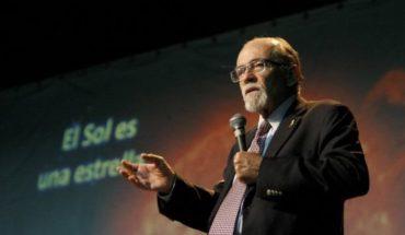 José Maza intentará batir un récord Guinness con la clase científica más masiva en Chile