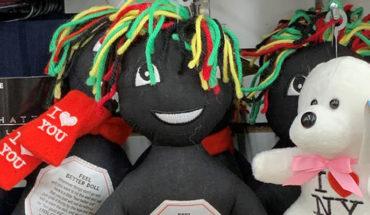 Muñecas negras para ser golpeadas, son retiradas de tiendas en EU por ser ofensivas