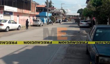 """Muere un niño y un hombre por """"balas perdidas"""", tras balacera entre sicarios en Uruapan"""