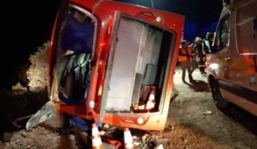 Volcamiento de microbús en Colina habría dejado al menos 3 personas fallecidas