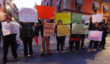 AMLO promises to review layoffs at Notimex