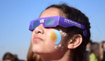 All pending from the sky: the total eclipse of the sun captivates the whole country