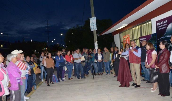 Morelia City Council delivers luminaires in popular colonies