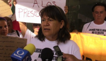 Relatives of Mexicali Resiste activist detained