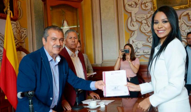 Rinde protests against Morelia Carolina Hernandez Rangel Cabildo as head of the Morelos Tenure