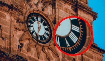 ¿Por qué el reloj de la catedral de Morelia marca el número 4 como 'IIII' en vez de 'IV'?