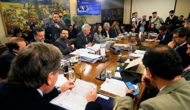 Chile Vamos fracasó en su intento de censurar a Gael Yeomans de la presidencia de la Comisión de Trabajo