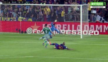 Con golazo de Arturo Vidal el Barcelona selló una aplastante victoria sobre el Betis