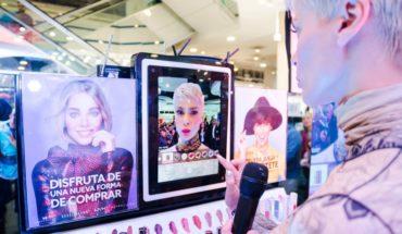 Conoce la aplicación que permite probar los maquillajes en el celular antes de comprarlos